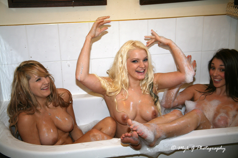 redditchphotographer co uk wp content gallery three naked girls members gallery bath time with casey ejay and bobbie 3